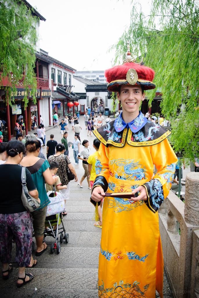 Adomas Baltagalvis in China